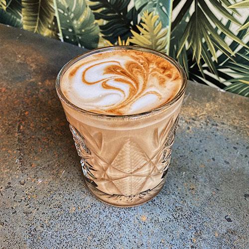 Gesunder Kaffee zubereitet